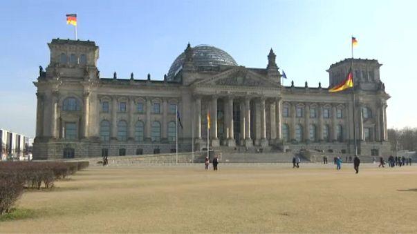 Almanya'da 'büyük koalisyon'a çıkan onay ve sonrası
