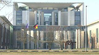 Steinmeyer propõe reeleição de Merkel já amanhã