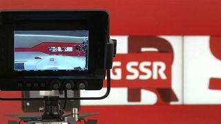 Los suizos deciden seguir financiando su televisión pública