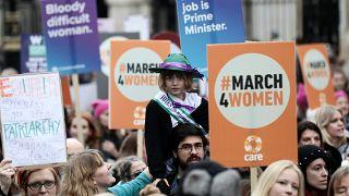 Марш в поддержку гендерного равенства
