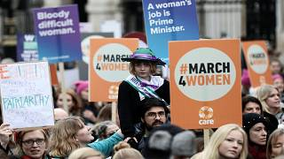 مسيرة للنساء في لندن والمطالبة بالمزيد من المساواة مع الرجل