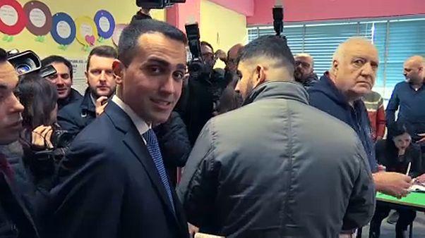 Berlusconiék győztek, az 5 Csillag Mozgalom nyert