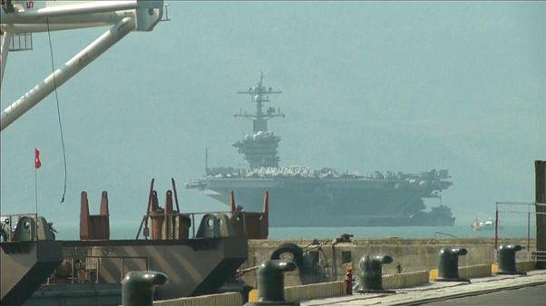 Американский авианосец прибыл во Вьетнам