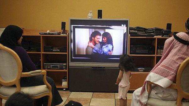 Arap dünyasının etkin kanalı MBC Türk dizilerini yayından kaldırdı