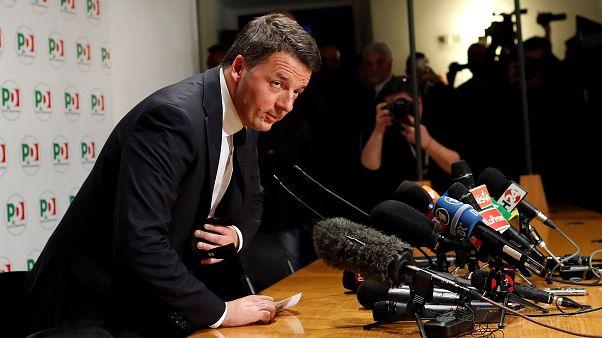"""Renzi si dimette: """"Niente inciuci, il nostro posto è all'opposizione"""""""