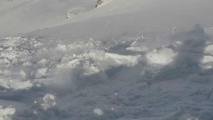 Watch: Snowboarder films the moment he gets caught in avalanche