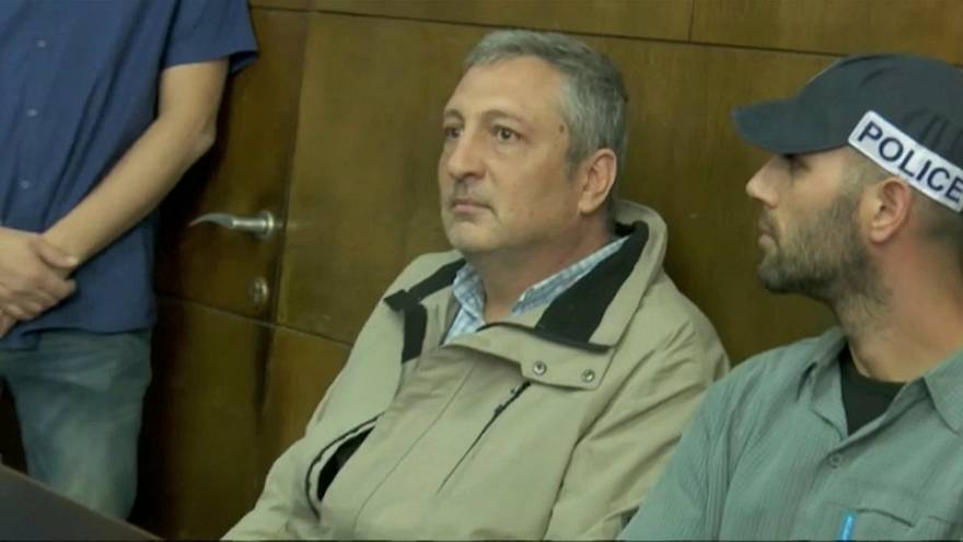 متحدث سابق بإسم نتنياهو يتحول إلى  شاهد الحق العام في قضية الفساد