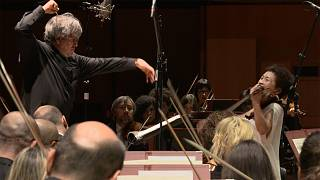 Sir Antonio Pappano leads Kyung Wha Chung and the Santa Cecilia orchestra