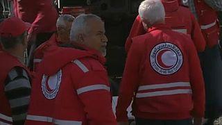 Az első segélyszállítmány a szétlőtt Gútába
