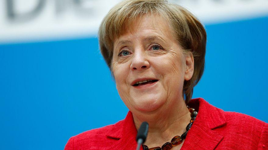 Presidente alemão abre caminho à reeleição de Merkel