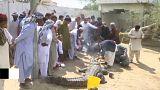 Krokodilos fesztivál Pakisztánban