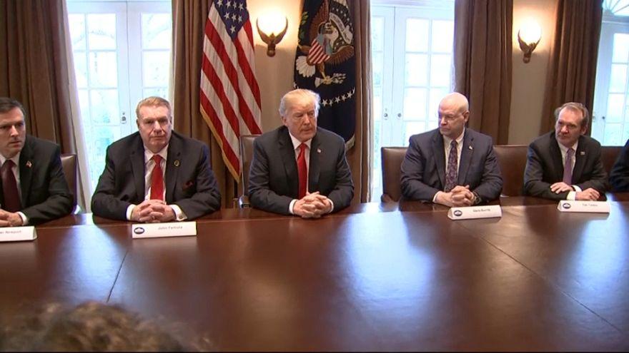 E' la guerra dei dazi: Trump e il resto del mondo