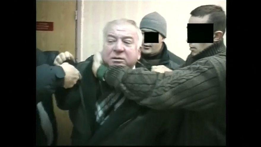 ضابط سابق للاستخبارات الروسية ادين بالتجسس لبريطانيا في حالة حرجة بعد تعرضه لمادة مجهولة