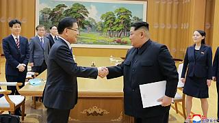 Kuzey Kore, ABD ile ilişkilerini normalleştirmeyi ve nükleer silahtan vazgeçmeyi kabul etti