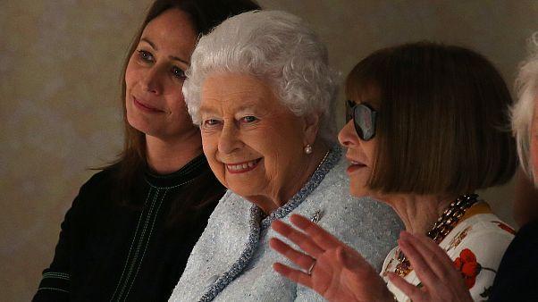 Η βασίλισσα Ελισάβετ και τα... κοκτέιλ