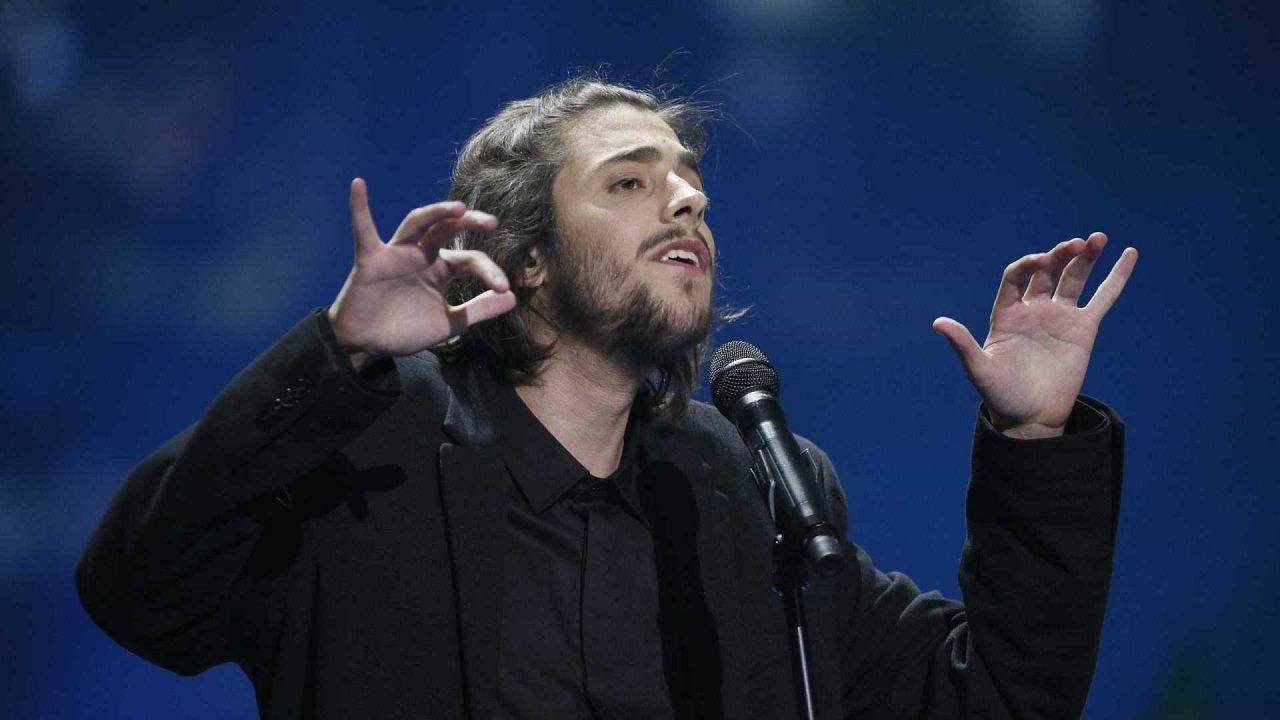 Salvador Sobral anuncia regresso aos concertos