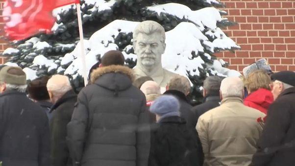 Zum 65. Todestag: Zahlreiche Menschen gedenken Diktators Stalin in Moskau