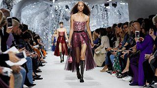Αυλαία για την εβδομάδα μόδας στο Παρίσι