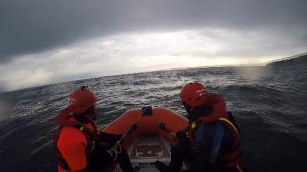 Tres bomberos españoles acusados de tráfico de personas en Lesbos