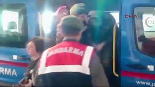 Soldados gregos detidos por forças turcas