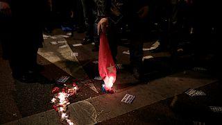 Yunanistan'da göstericiler Türk bayrağını yaktı