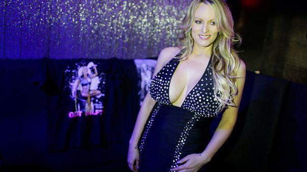 """A atriz pornográfica """"Stormy Daniels"""" decide processar Donald Trump"""