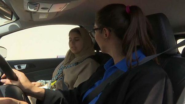 Saudi women take the wheel
