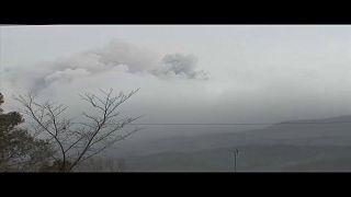 Kitört a japán vulkán