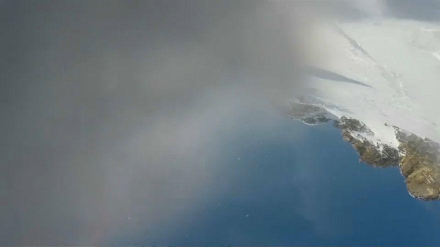 شاهد: متزلج لبناني ينجو  بأعجوبة من الدفن تحت الثلوج