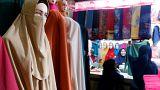 جامعة حكومية تحظر ارتداء النقاب