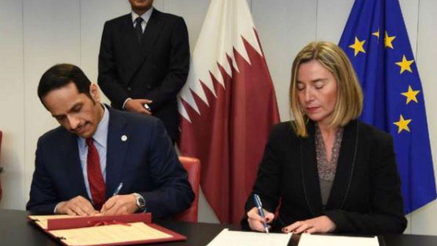 وزير خارجية قطر و وفردريكا موغريني يوقعان اتفاقية تعاون