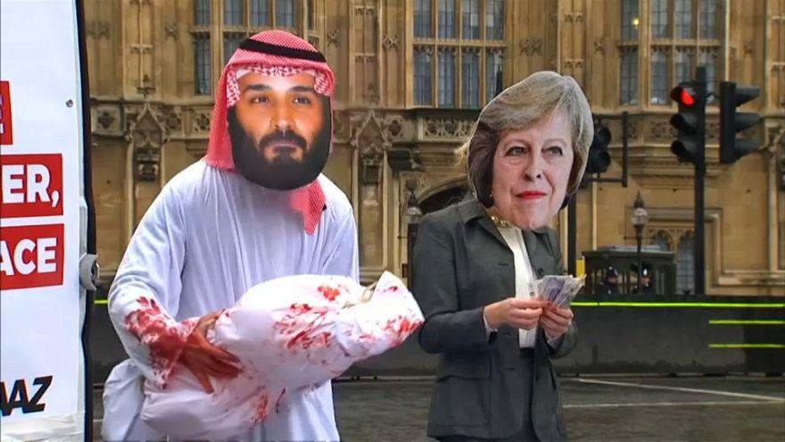 احتجاجات في استقبال محمد بن سلمان في أول زيارة له لبريطانيا