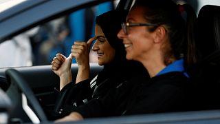 Σαουδική Αραβία: Οι γυναίκες μαθαίνουν να οδηγούν