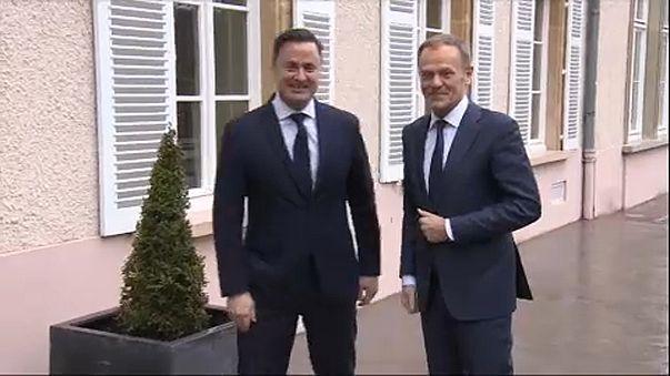Donald Tusk bizottsági elnök és Xavier Bettel luxemburgi miniszterelnök