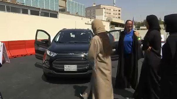 Elindult az első autósiskola nőknek Szaúd-Arábiában