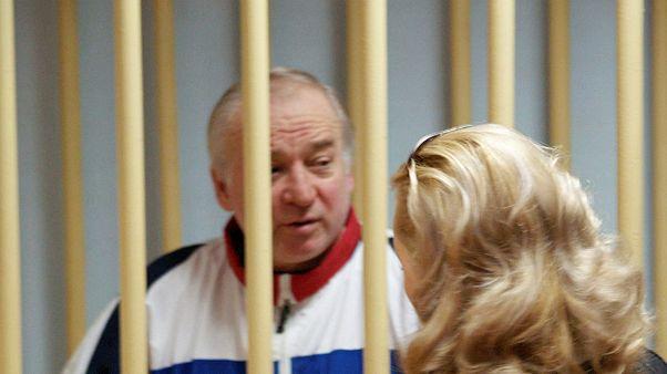 Londres acredita que ex-espião russo foi alvo de ataque com gás nervoso