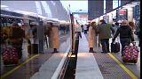 Centenares de trenes anulados por la huelga de mujeres en España
