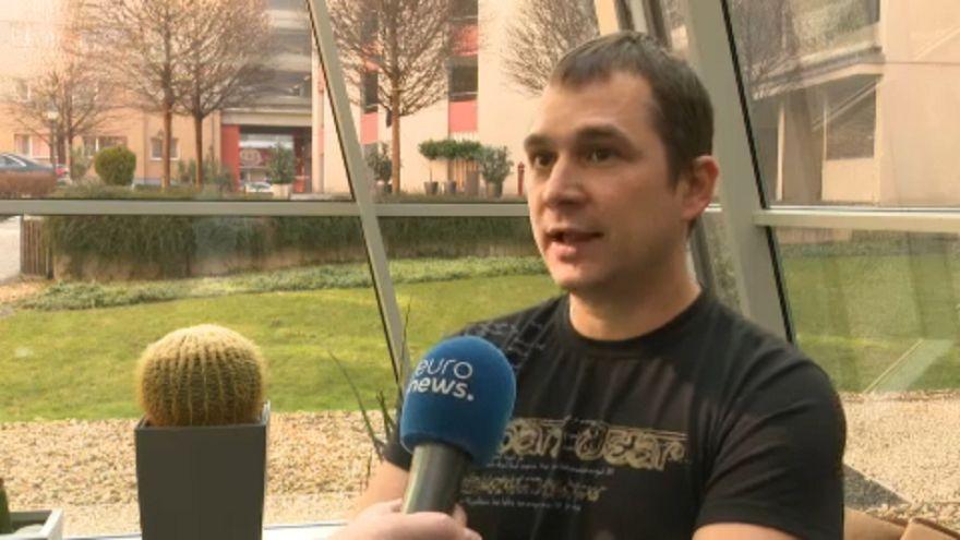 Elítélték az újságírót, aki menekültnek adta ki magát