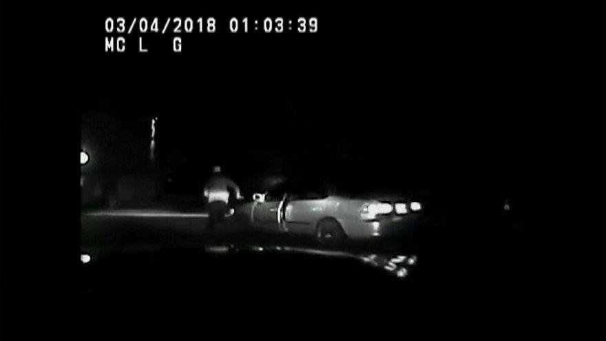 بالفيديو: فرّ من الشرطة فصدمته سيارته