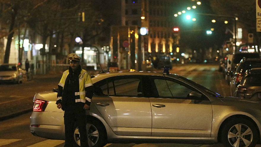 Ataque com arma branca faz três feridos em Viena