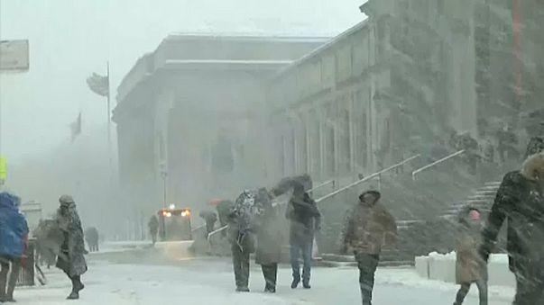 Újabb durva hóviharok Amerikában