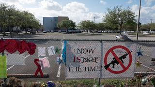 Flórida: Projeto-lei sobre controlo de armas mais perto de ser aprovado