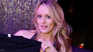 Trump nie toute relation avec l'actrice pornographique Stormy Daniels