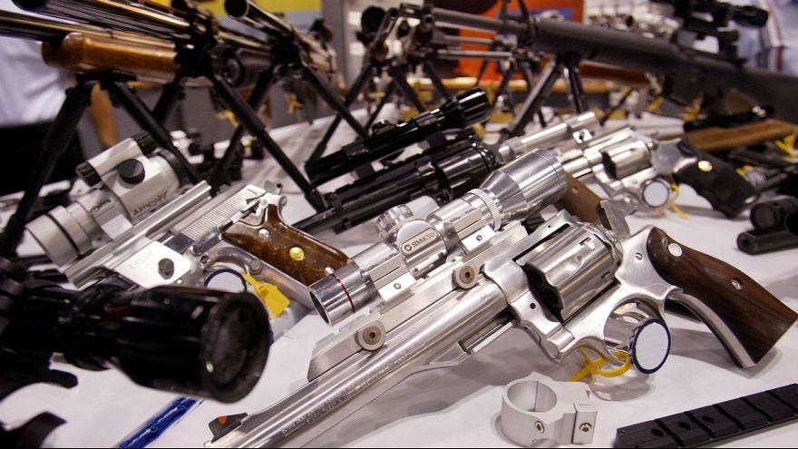 نگاهی به بندهای تصویب شده لایحه محافظت دربرابر سلاح در مدارس فلوریدا