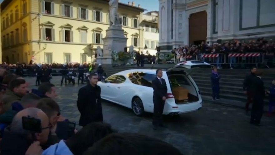 Multitudinario adiós a Davide Astori