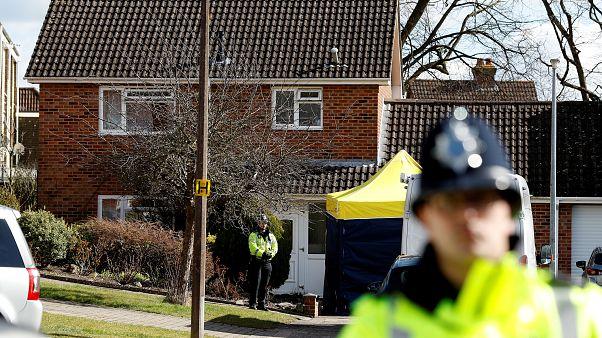 """Londres promete resposta """"robusta"""" e """"investigação metódica"""" no caso Skripal"""