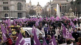 Gran seguimiento de la huelga feminista en España