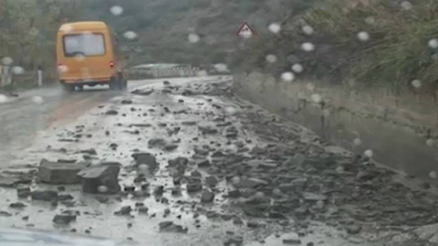 Αλβανία: Πλημμύρες και κατολισθήσεις μετά τις έντονες βροχοπτώσεις