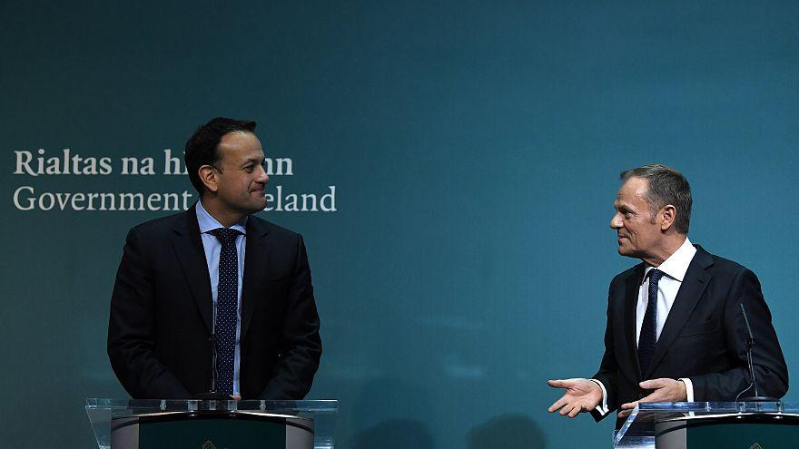 Leo Varadkar ír kormányfő és Donald Tusk, az Európai Tanács elnöke