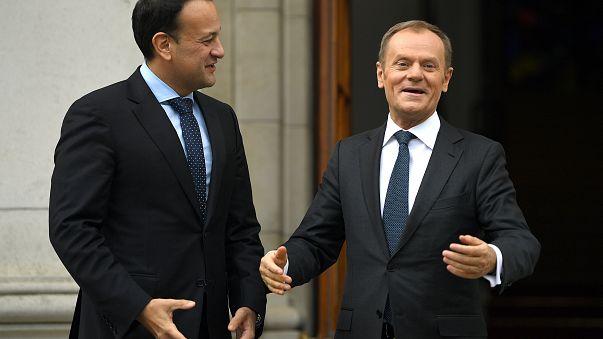"""Tusk diz """"Irlanda primeiro"""" nas negociações sobre o Brexit"""